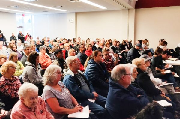 Residents of Gurnee attend a community meeting about ethyl oxide exposures.